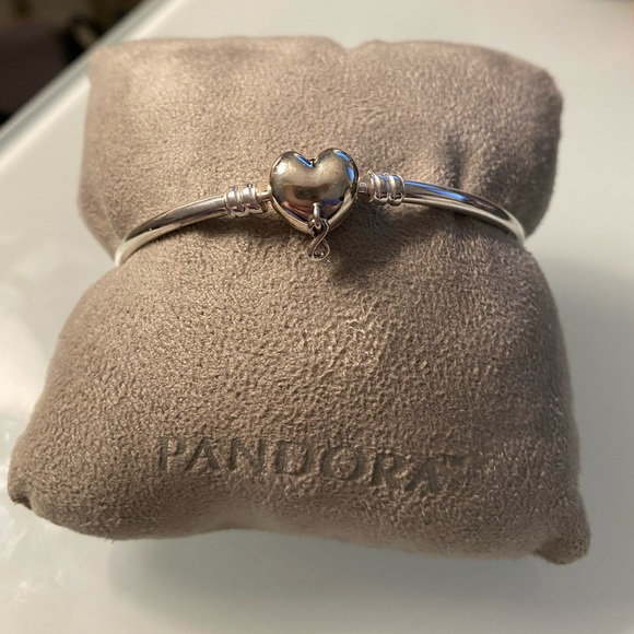 Pandora Moments Infinity Heart Clasp Bangle.